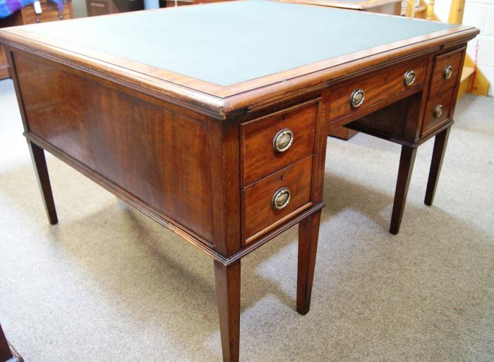 Home / Large Antique Desks & Partners Desks / Edwardian Mahogany Partners  Desk - Edwardian Mahogany Partners Desk